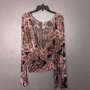 Free people deep-v tie side bell sleeve top size M